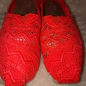 Tom's Pink Orange Coral Crochet Lace Flats Size 9